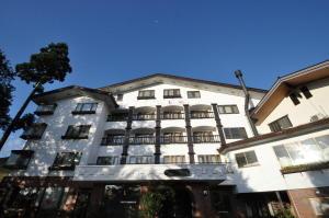 プチホテル志鷹と月